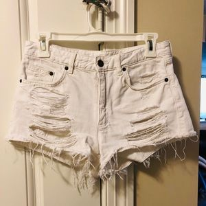White frayed jean shorts